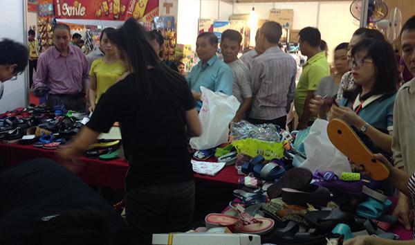 Giày dép Thái Lan Hà Nội