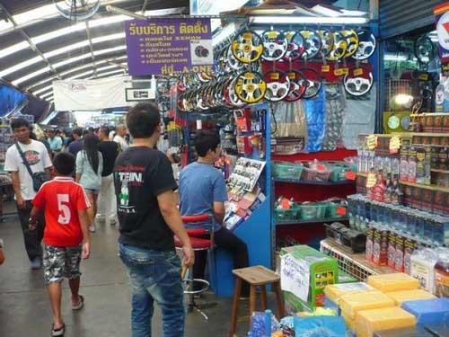 Chợ sỉ phụ tùng ô tô Thái Lan