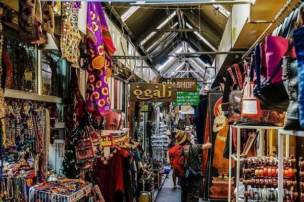 Hàng hóa tại chợ Chatuchak đa dạng, giá rẻ